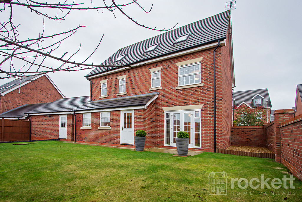 5 bed house to rent in Wychwood Village, Weston  - Property Image 19