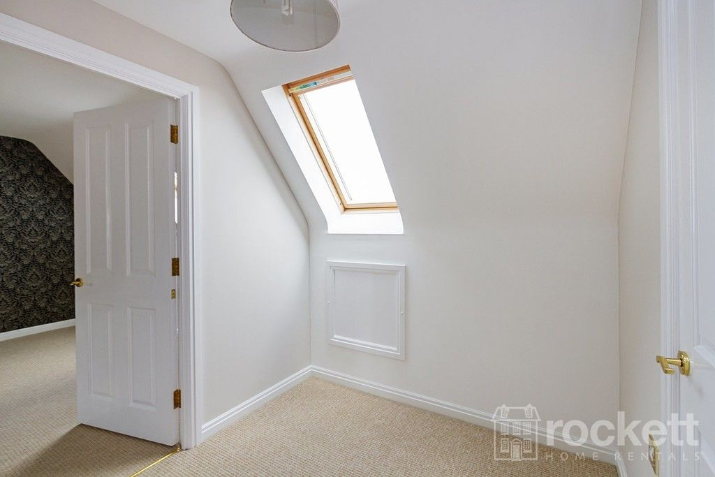 5 bed house to rent in Wychwood Village, Weston  - Property Image 33