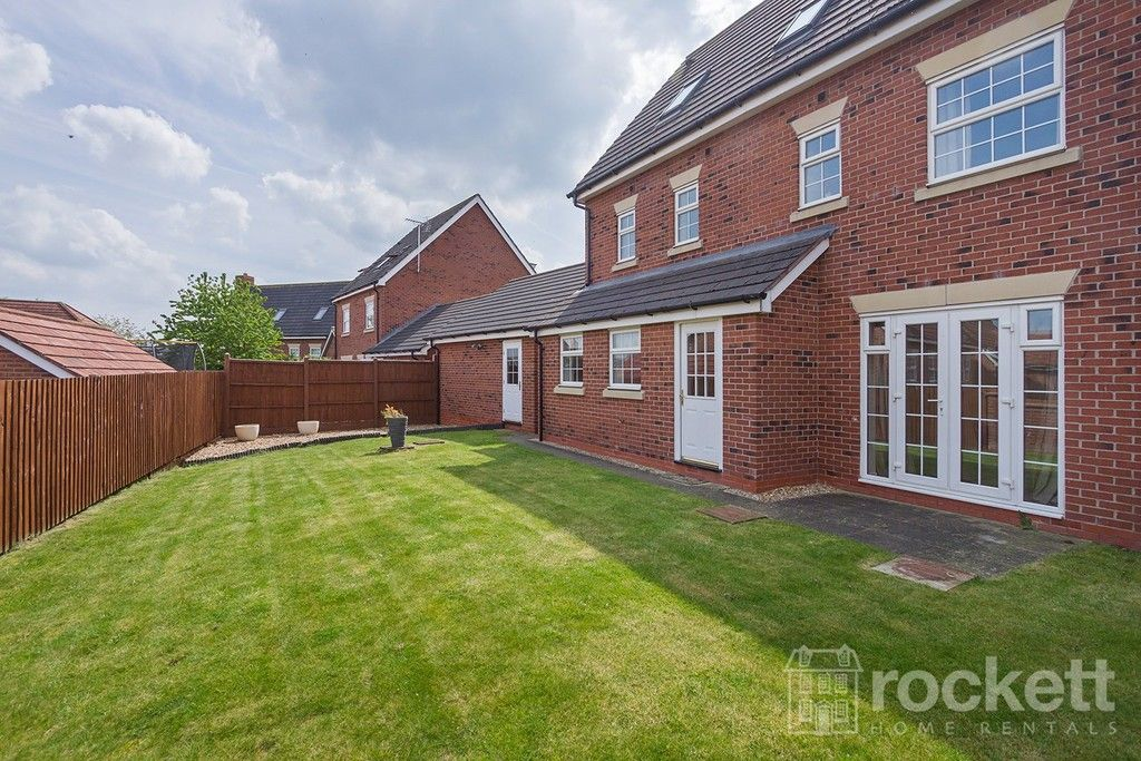 5 bed house to rent in Wychwood Village, Weston  - Property Image 38