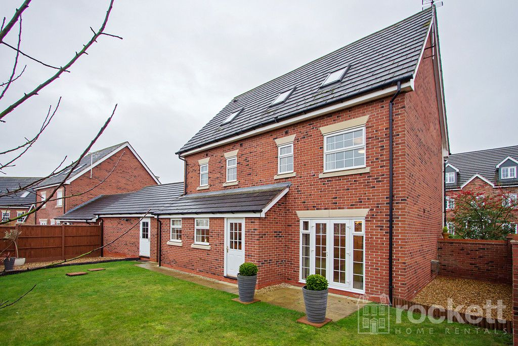 5 bed house to rent in Wychwood Village, Weston  - Property Image 40