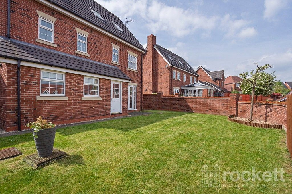5 bed house to rent in Wychwood Village, Weston  - Property Image 41