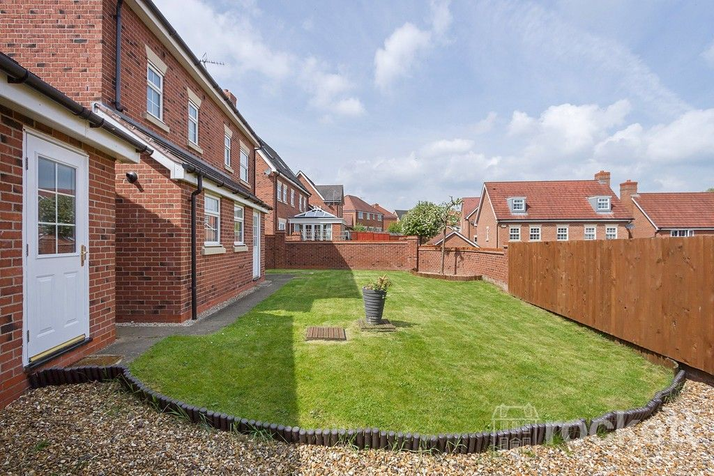 5 bed house to rent in Wychwood Village, Weston  - Property Image 43