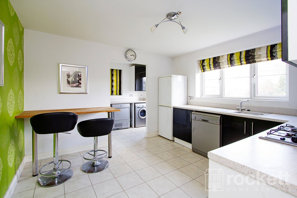 4 bed house to rent in Galingale View, Newcastle Under Lyme  - Property Image 1