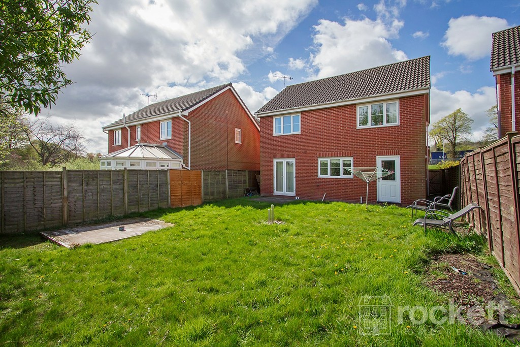 4 bed house to rent in Galingale View, Newcastle Under Lyme  - Property Image 18
