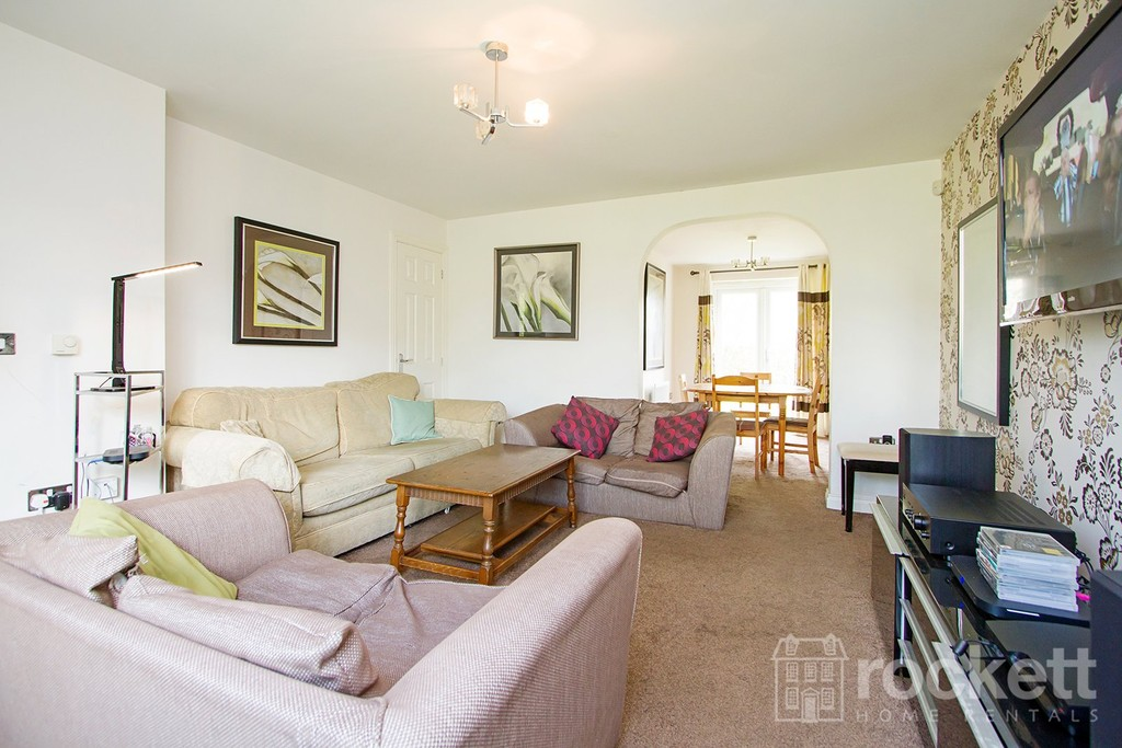 4 bed house to rent in Galingale View, Newcastle Under Lyme  - Property Image 5