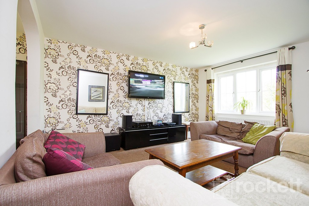 4 bed house to rent in Galingale View, Newcastle Under Lyme  - Property Image 7
