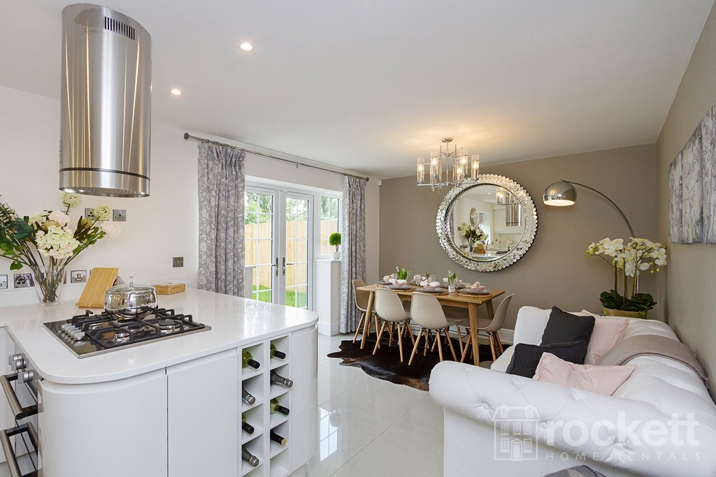 5 bed house to rent in Turnberry Drive, Trentham - Property Image 1