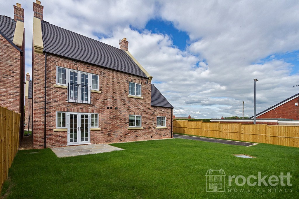 5 bed house to rent in Turnberry Drive, Trentham  - Property Image 2
