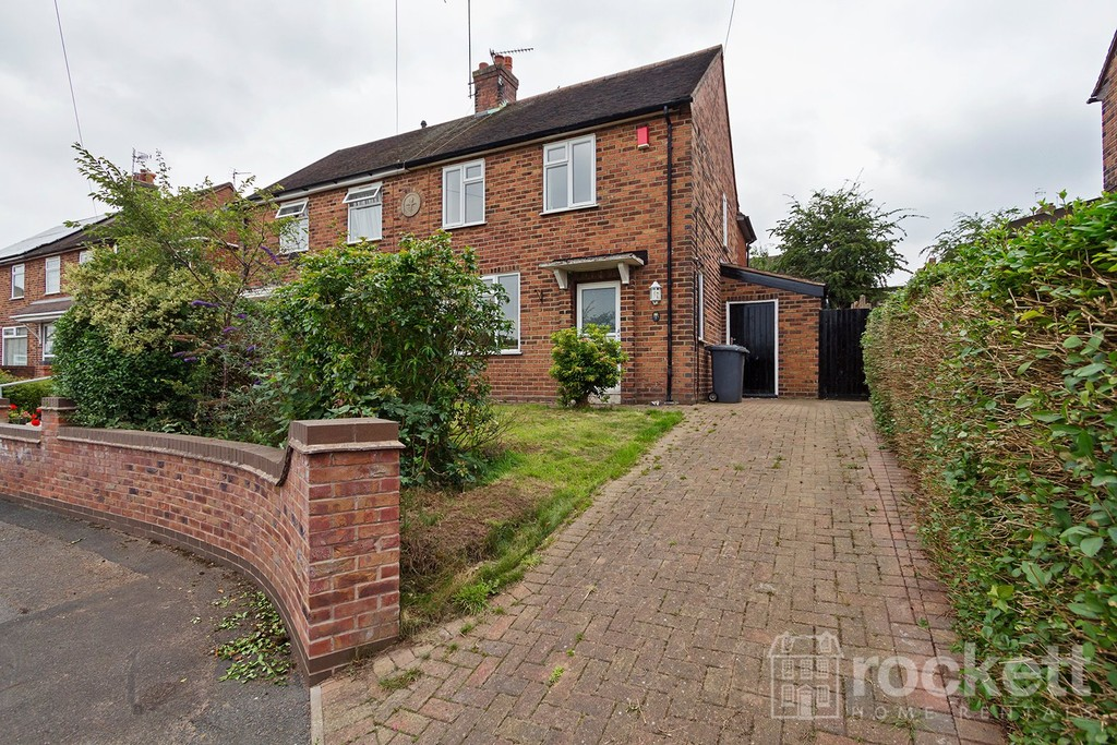 2 bed House to rent in Weston Close, Knutton