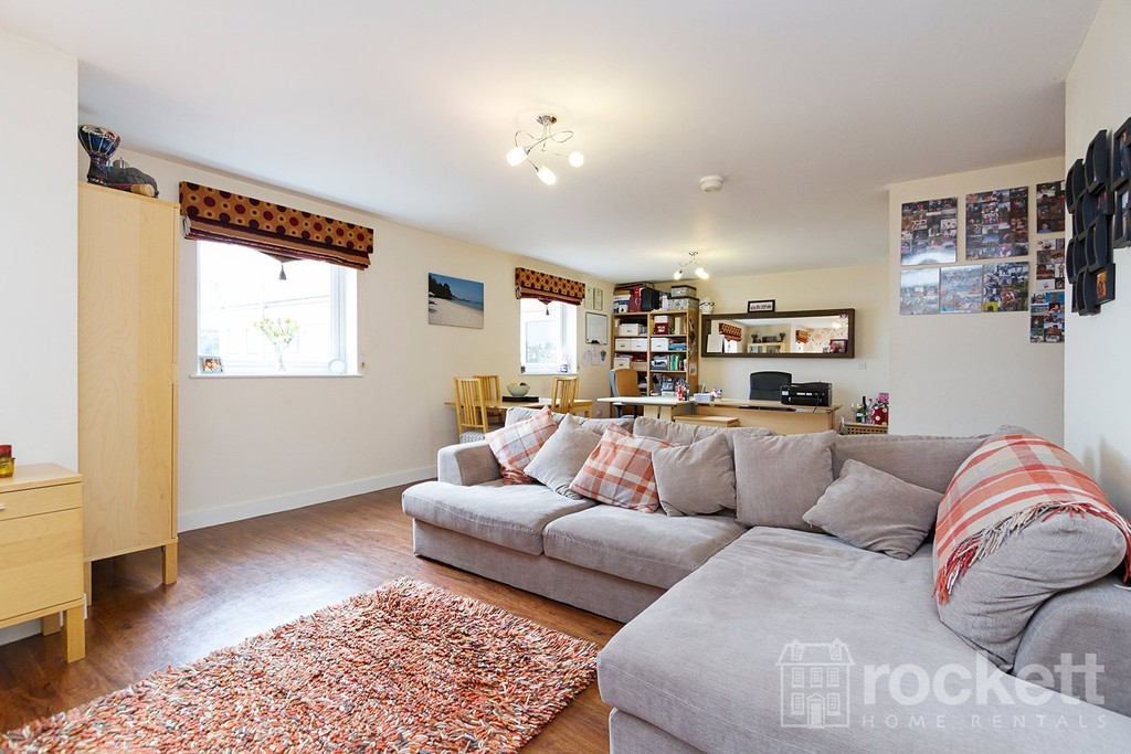 3 bed flat to rent  - Property Image 15