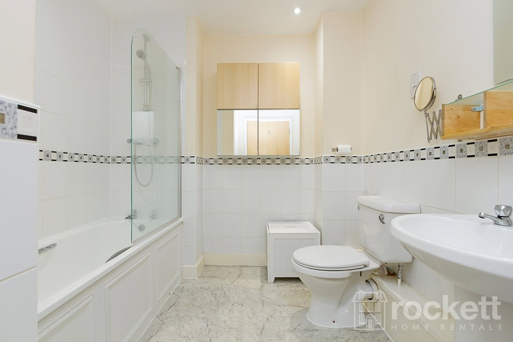 3 bed flat to rent  - Property Image 22