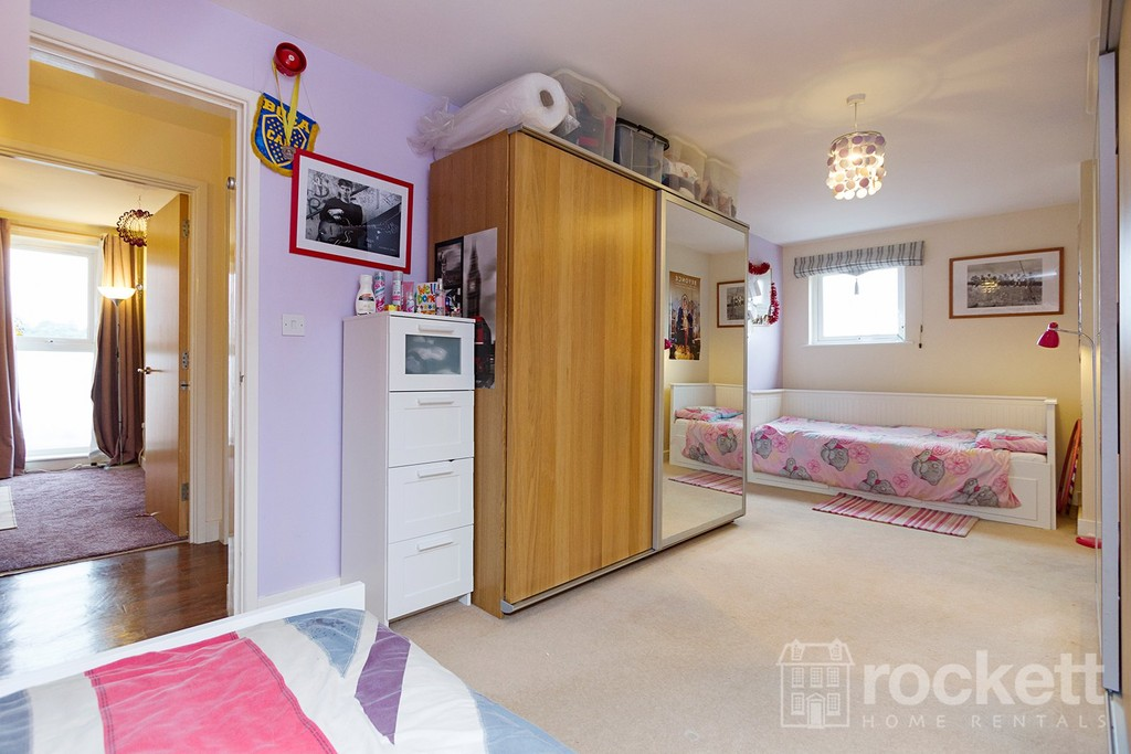 3 bed flat to rent  - Property Image 24