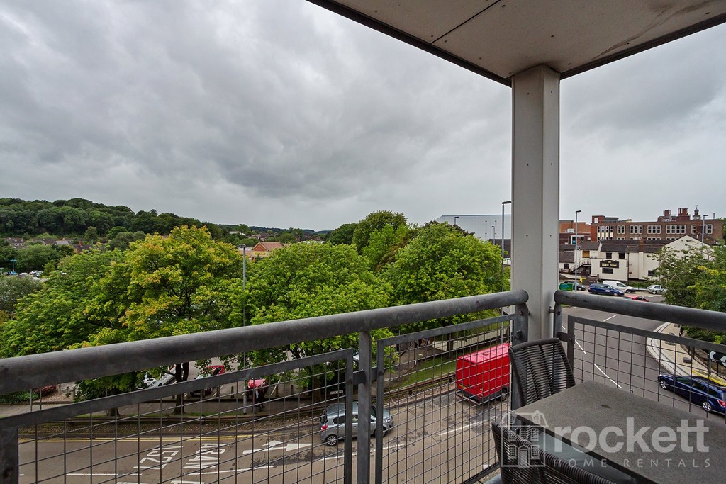 3 bed flat to rent  - Property Image 31