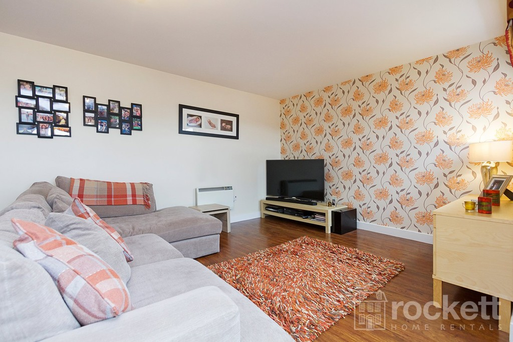 3 bed flat to rent  - Property Image 9