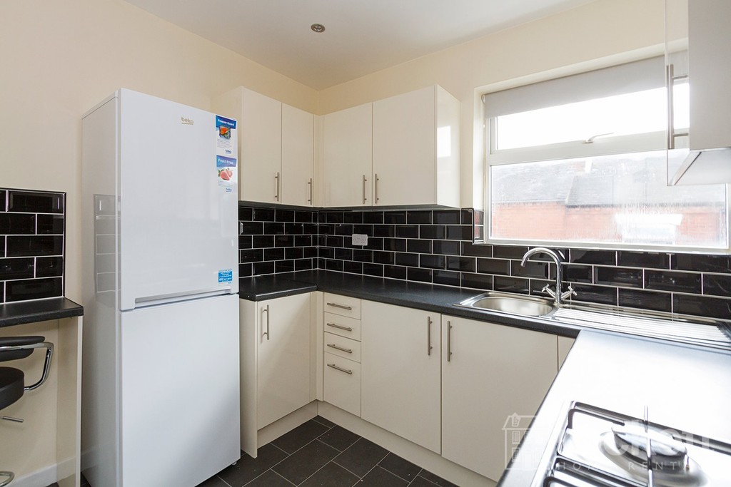 1 bed flat to rent in Broad Street, Newcastle Under Lyme  - Property Image 11