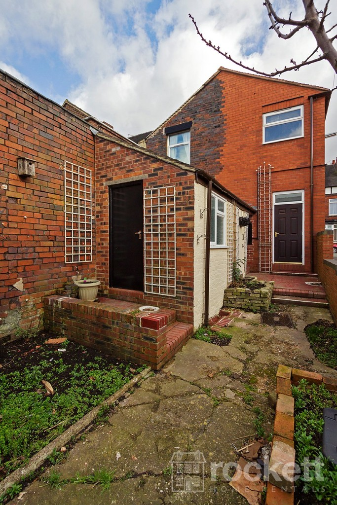 1 bed flat to rent in Broad Street, Newcastle Under Lyme  - Property Image 13