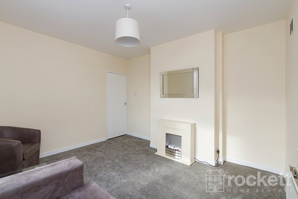 1 bed flat to rent in Broad Street, Newcastle Under Lyme  - Property Image 5