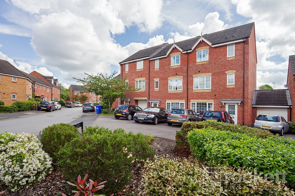 5 bed House to rent in Godwin Way, Trent Vale