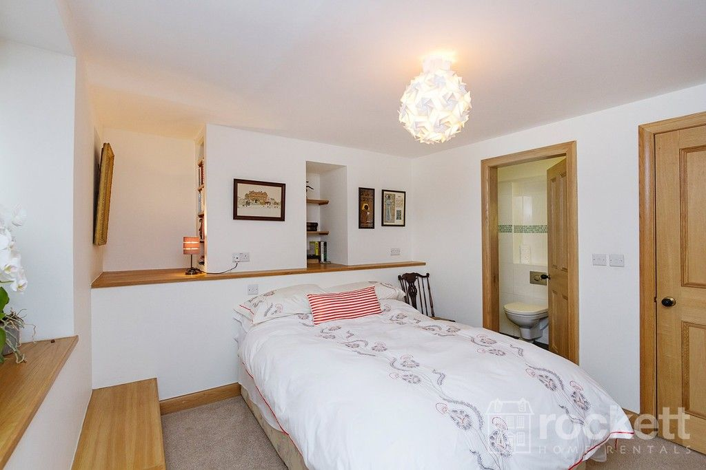 3 bed flat to rent  - Property Image 17