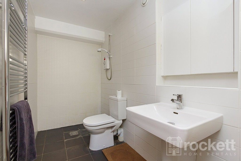 3 bed flat to rent  - Property Image 23
