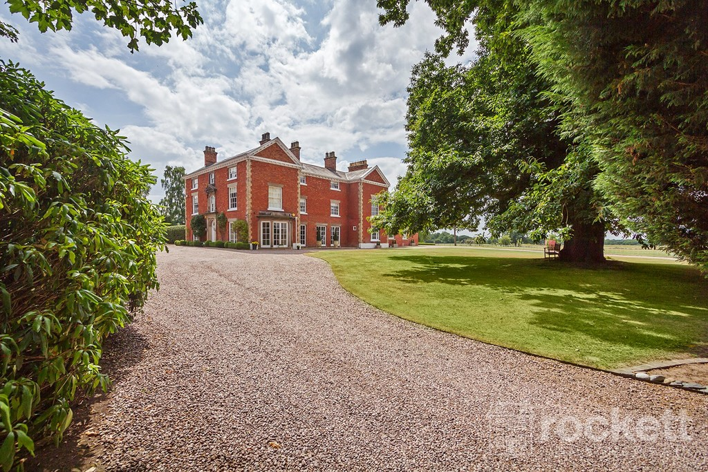 6 bed house to rent in South Cheshire  - Property Image 9