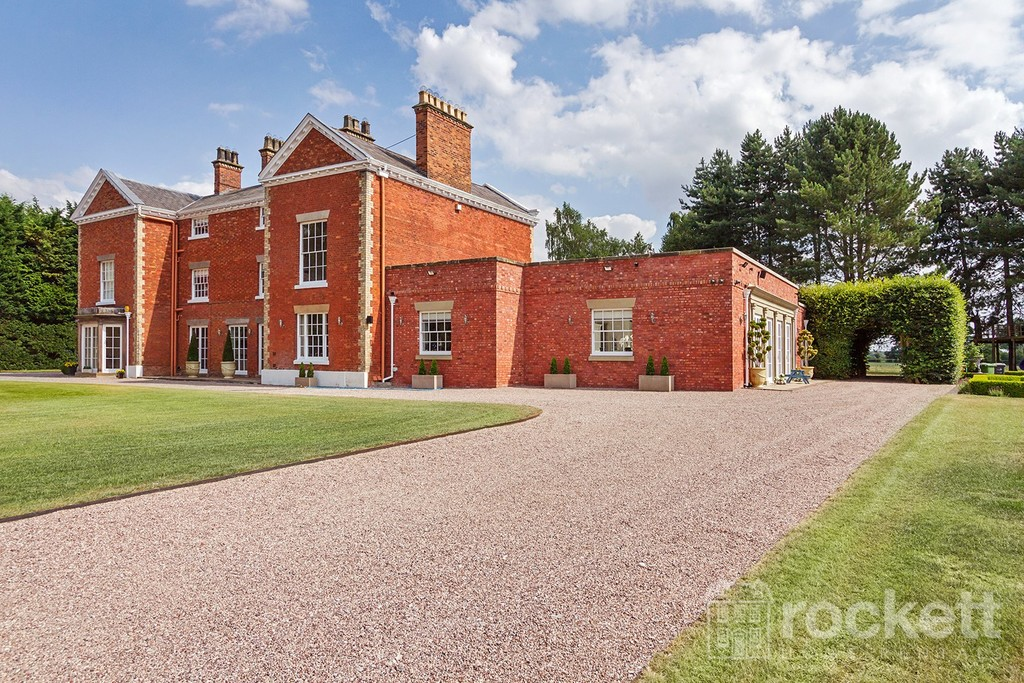 6 bed house to rent in South Cheshire  - Property Image 6