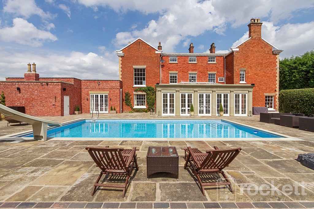 6 bed house to rent in South Cheshire  - Property Image 15