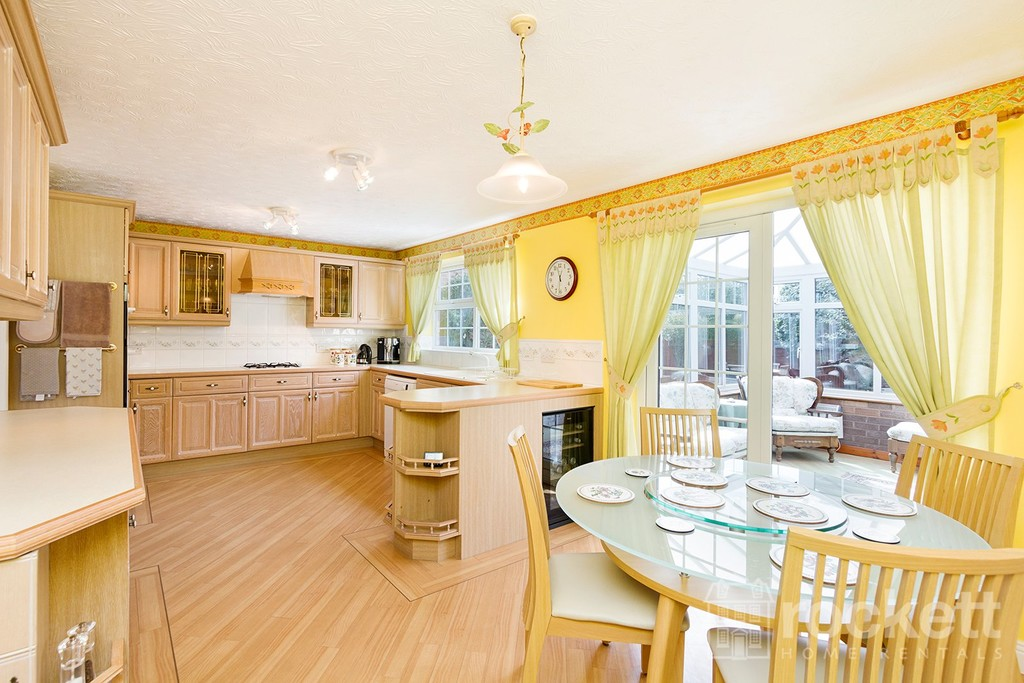 5 bed house to rent in Seabridge, Newcastle Under Lyme  - Property Image 7