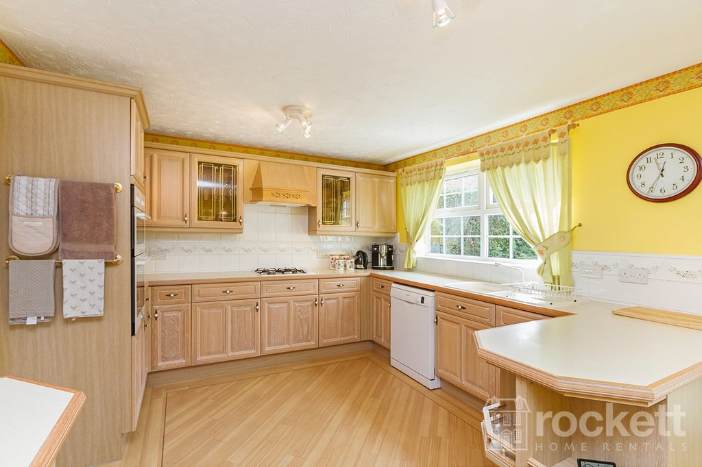 5 bed house to rent in Seabridge, Newcastle Under Lyme  - Property Image 10