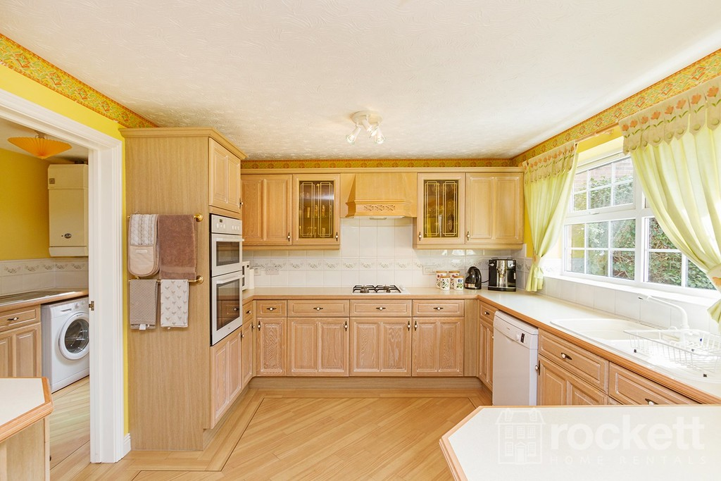 5 bed house to rent in Seabridge, Newcastle Under Lyme  - Property Image 11