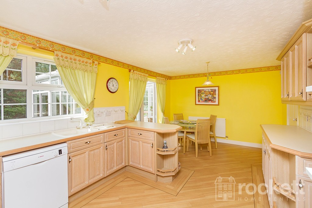 5 bed house to rent in Seabridge, Newcastle Under Lyme  - Property Image 14