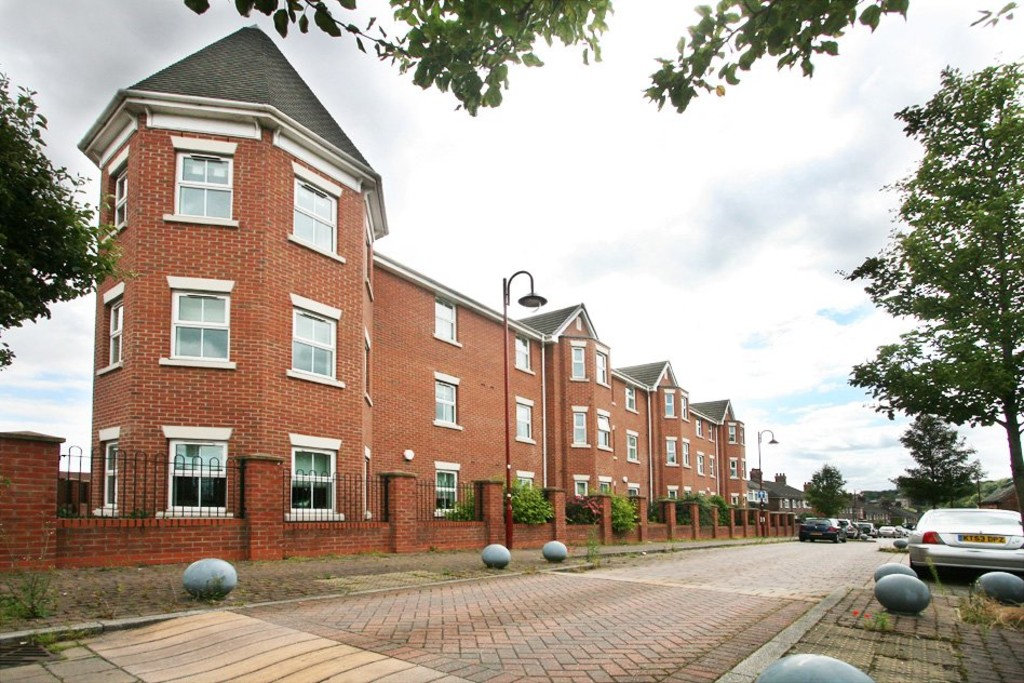 1 bed Flat to rent in Etruria Court, Stoke On Trent