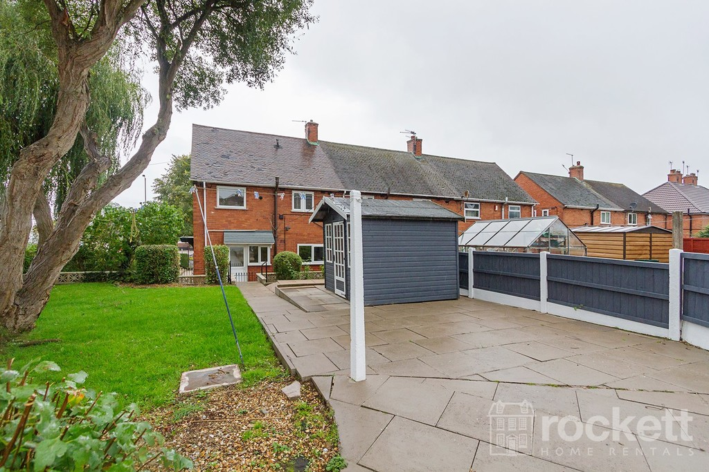 3 bed House to rent in Bradwell Lane, Newcastle Under Lyme, ST5