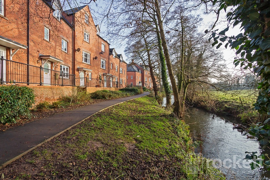 4 bed house to rent in Riverside Cresent, Hall Yard, Tean - Property Image 1