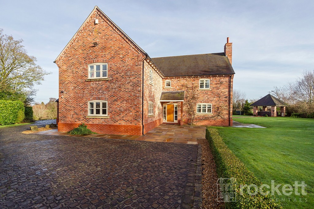 6 bed house to rent in Faddiley, Nantwich  - Property Image 2