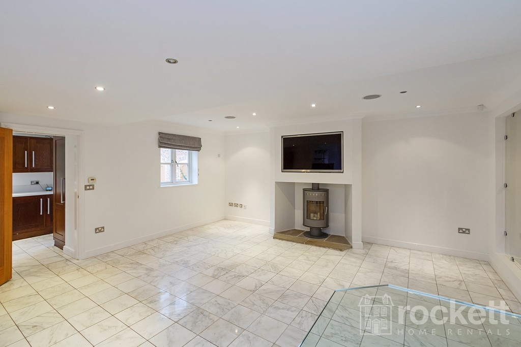 6 bed house to rent in Faddiley, Nantwich  - Property Image 11