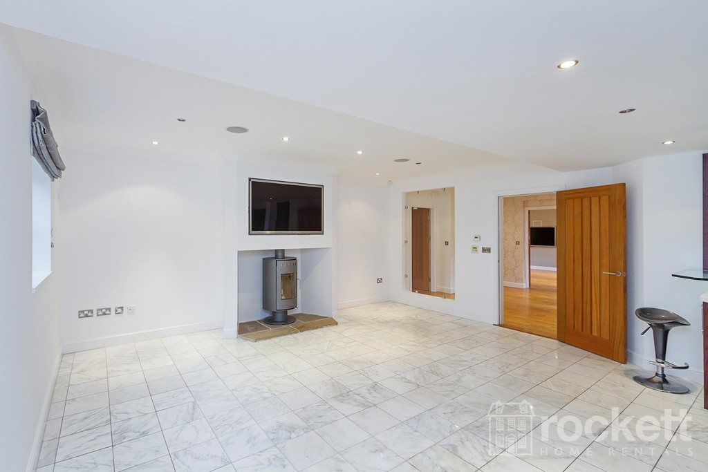 6 bed house to rent in Faddiley, Nantwich  - Property Image 10