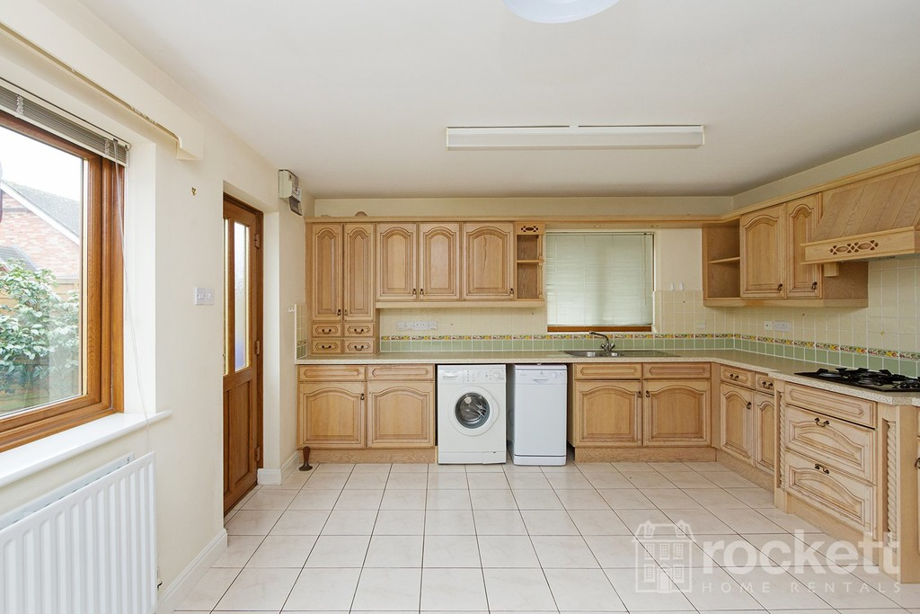 2 bed bungalow to rent in Primrose Hill, Hanford, Stoke-on-Trent  - Property Image 6