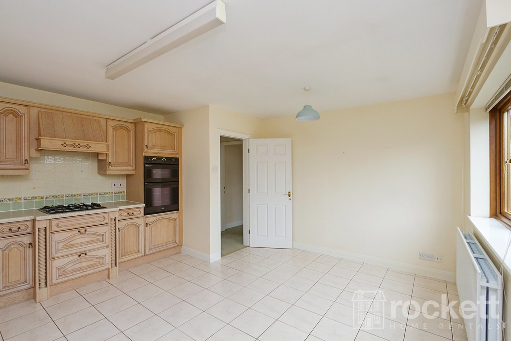2 bed bungalow to rent in Primrose Hill, Hanford, Stoke-on-Trent  - Property Image 8