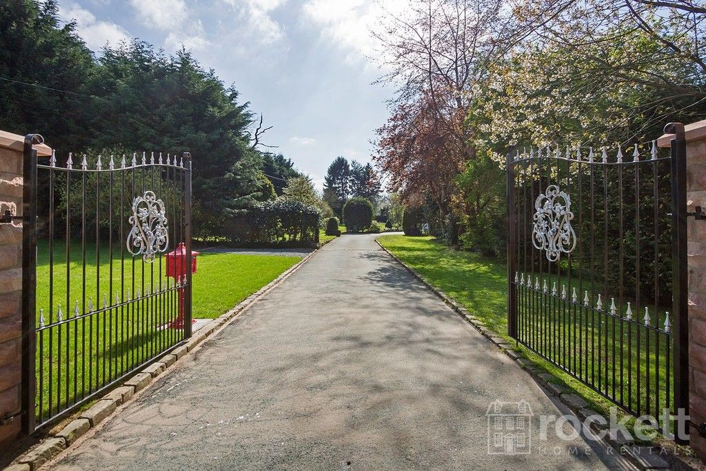 6 bed house to rent  - Property Image 2