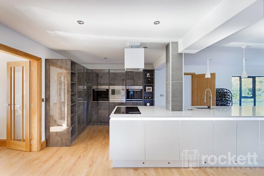 6 bed house to rent  - Property Image 28