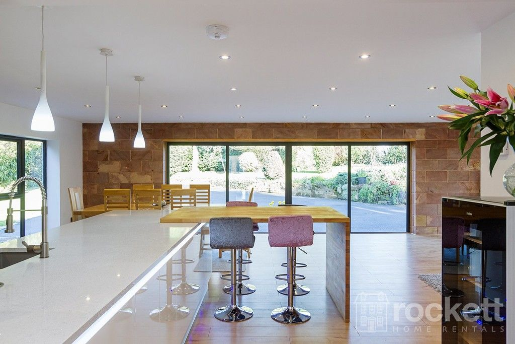 6 bed house to rent  - Property Image 4