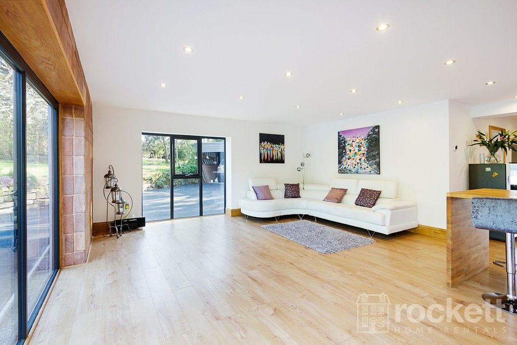 6 bed house to rent  - Property Image 32