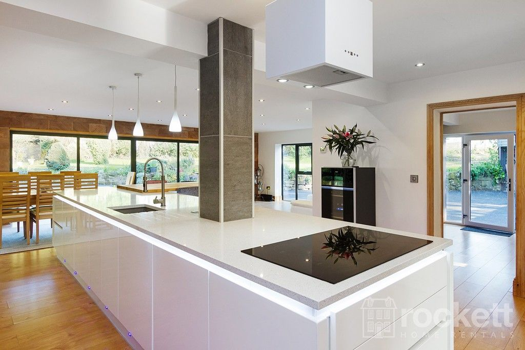 6 bed house to rent  - Property Image 34