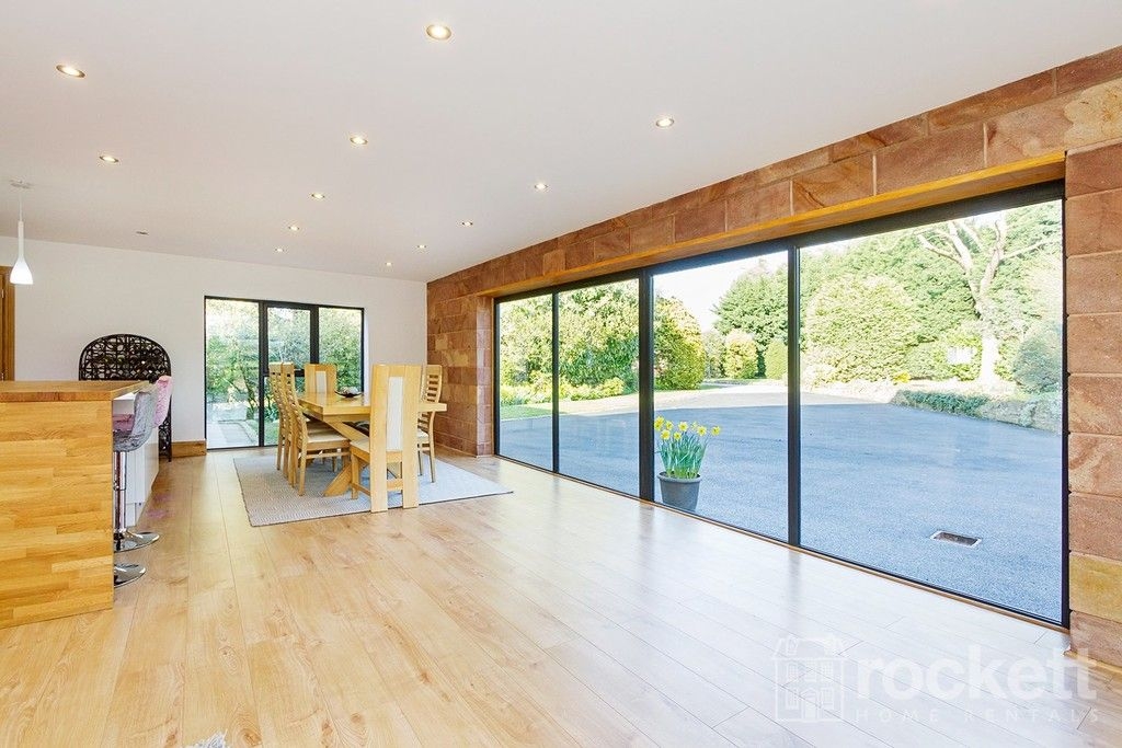 6 bed house to rent  - Property Image 38