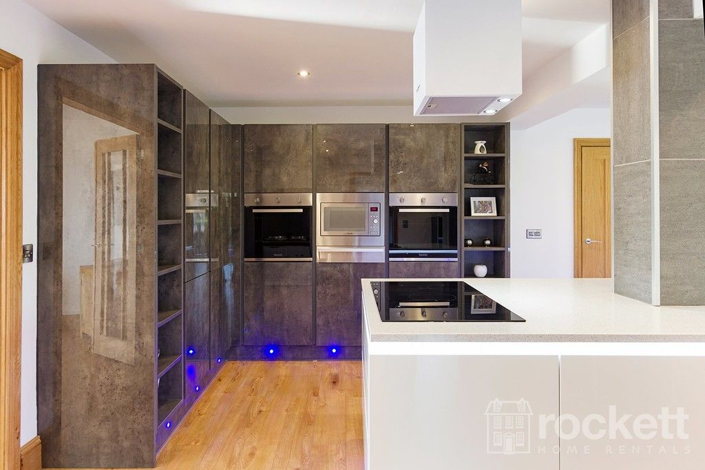 6 bed house to rent  - Property Image 41