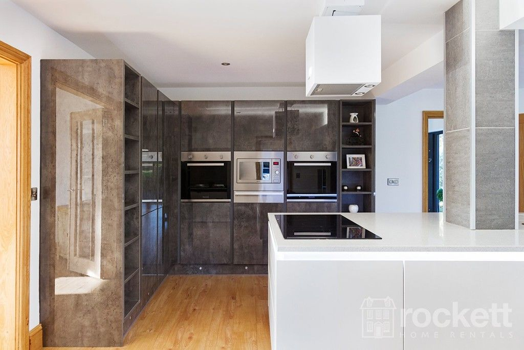 6 bed house to rent  - Property Image 42