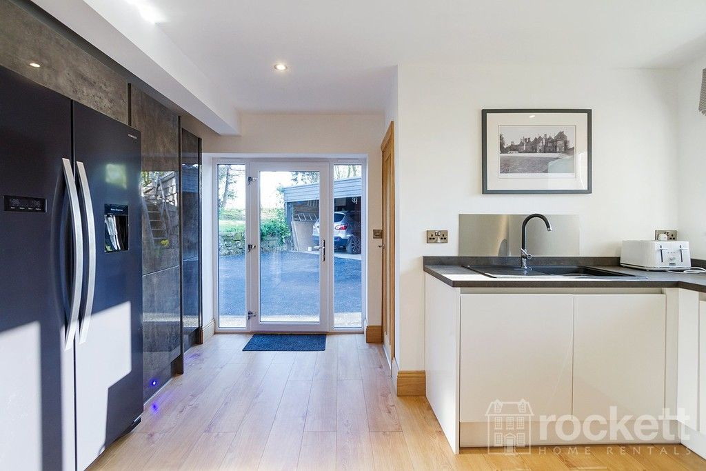 6 bed house to rent  - Property Image 43