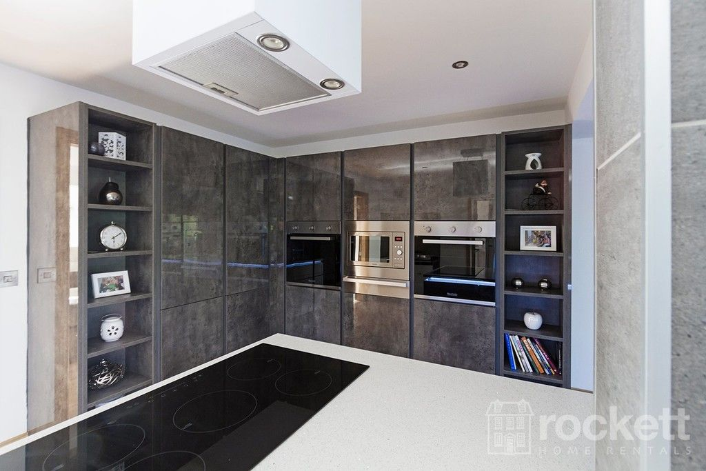 6 bed house to rent  - Property Image 44