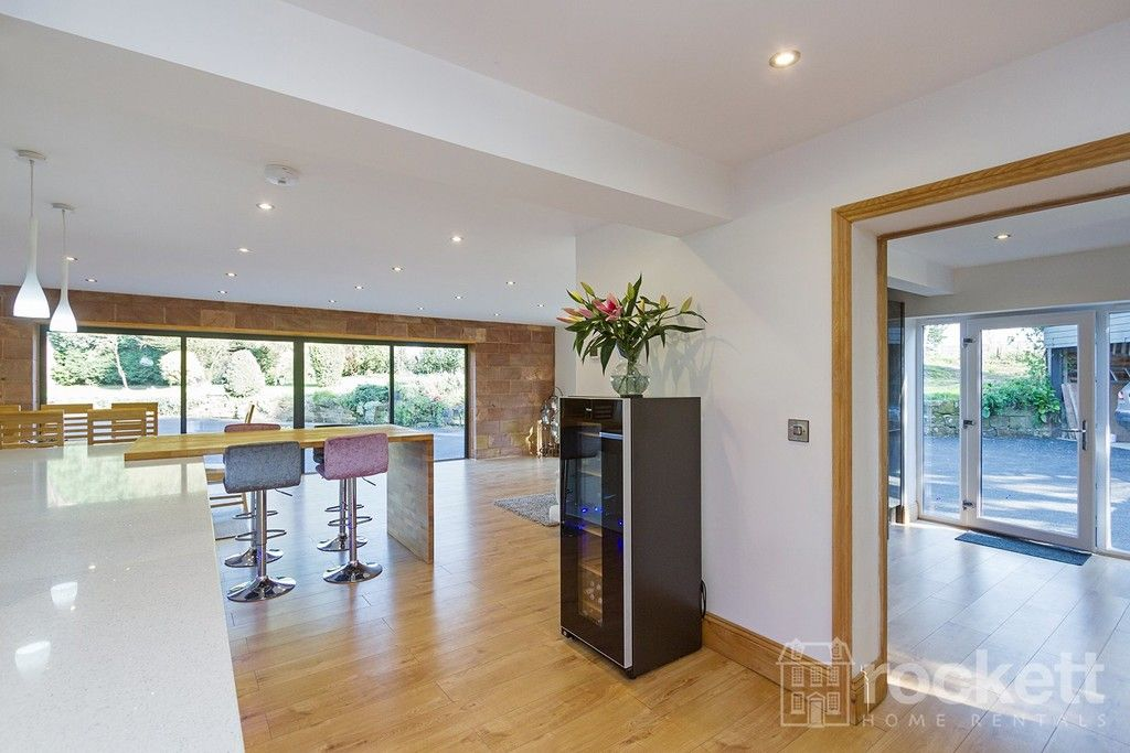 6 bed house to rent  - Property Image 46